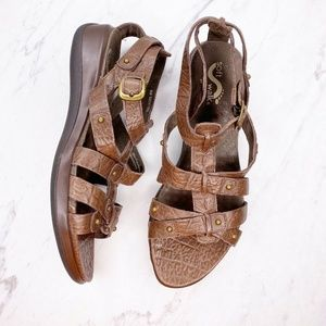 SoftWalk Strappy Brown Leather Sandals Shoes 8